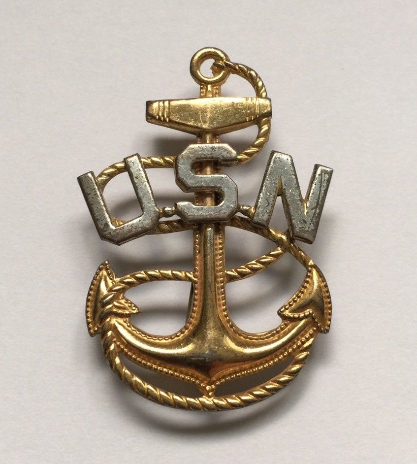 Militaria:Vintage WW II Two Tone Sterling Silver US Navy Anchor PIN